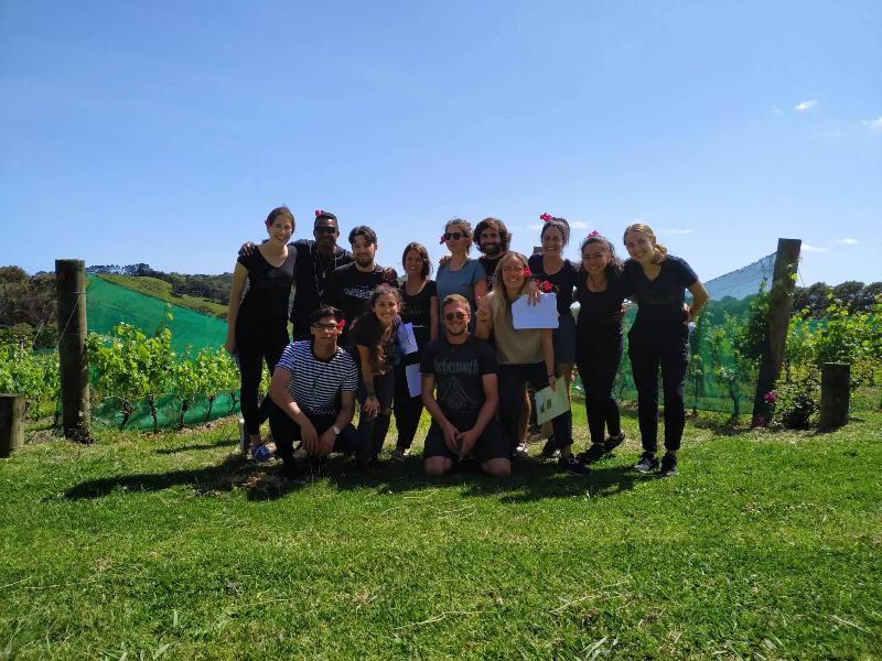 Leaf Plucker/vineyard Labour